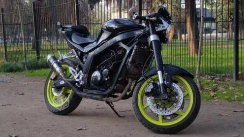 Hyosung 250 Naked 2013 impecable